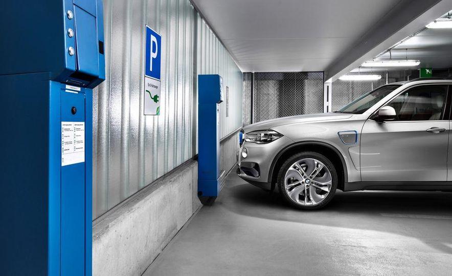 BMW Concept X5 eDrive - Slide 14