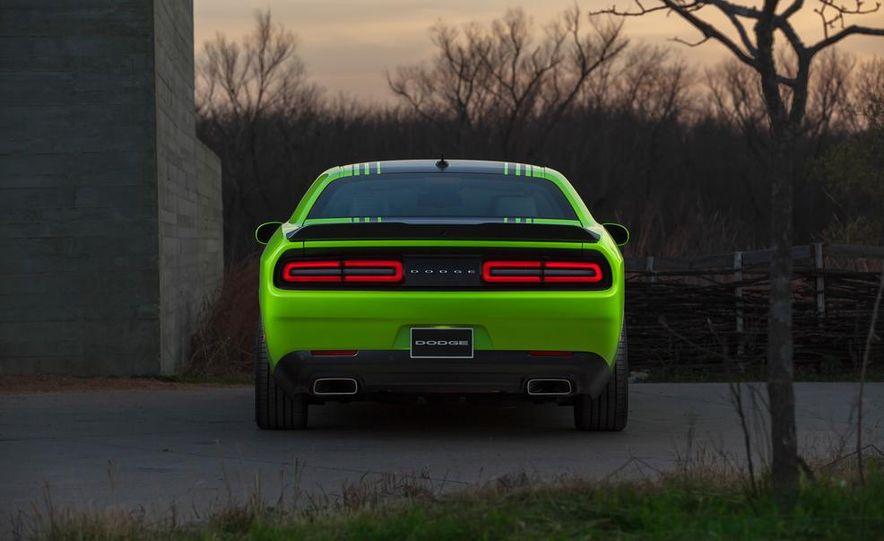 2015 Dodge Challenger R/T 392 Scat Pack - Slide 12