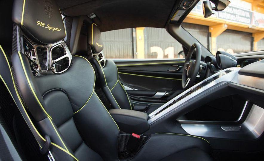 2015 Porsche 918 Spyder - Slide 21