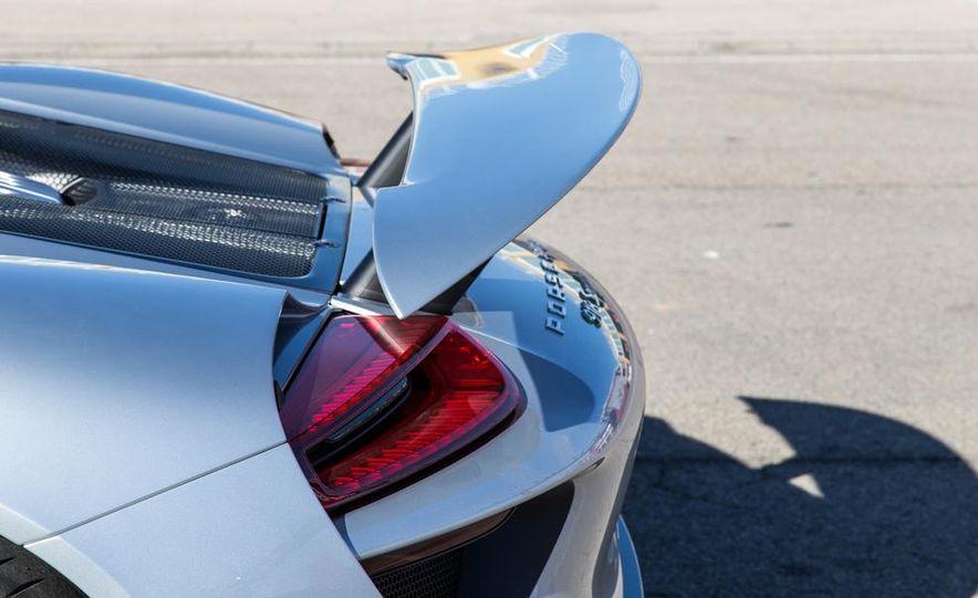 2015 Porsche 918 Spyder - Slide 15