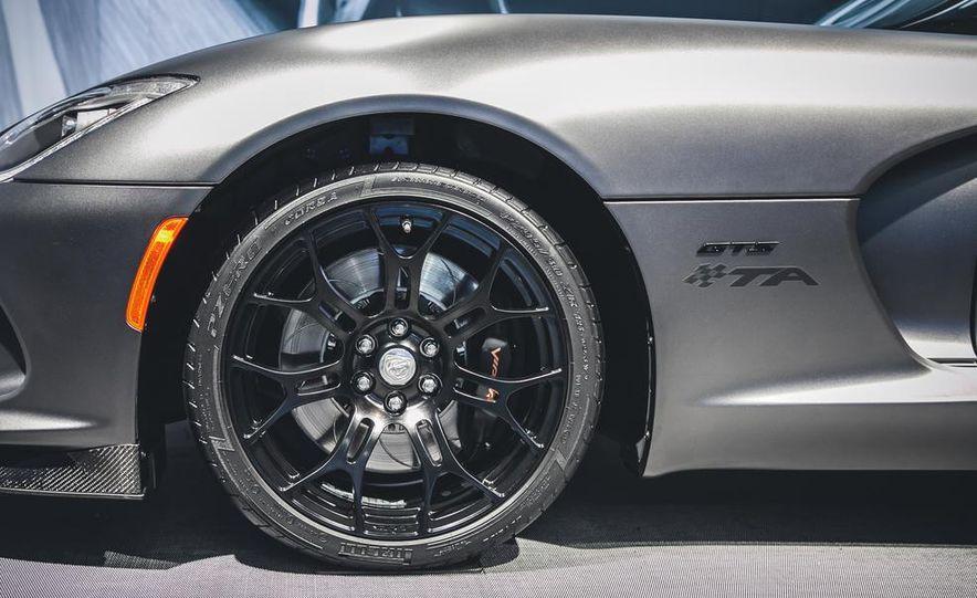 2015 SRT Viper GTS Time Attack Edition - Slide 7