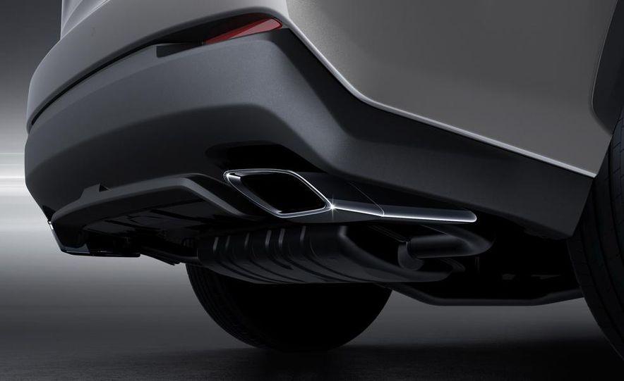 2015 Lexus NX200t F Sport - Slide 14