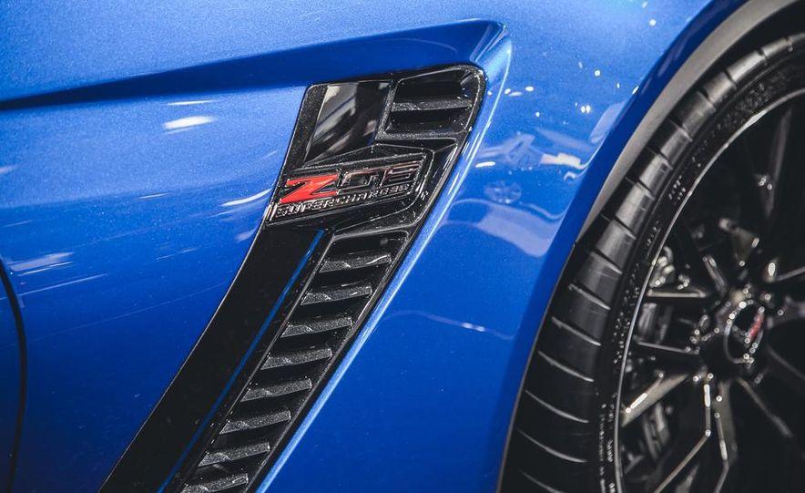 2015 Aston Martin V-8 Vantage GT - Slide 13