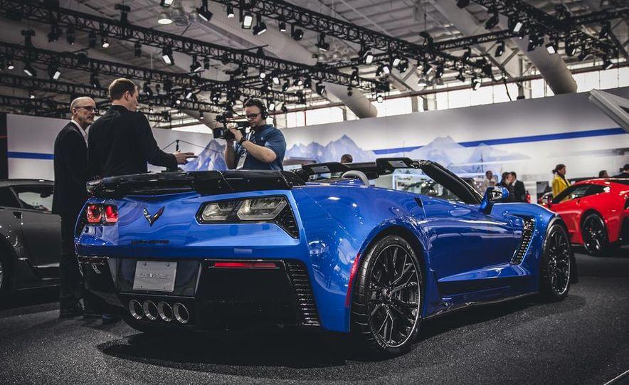 2015 Aston Martin V-8 Vantage GT - Slide 5