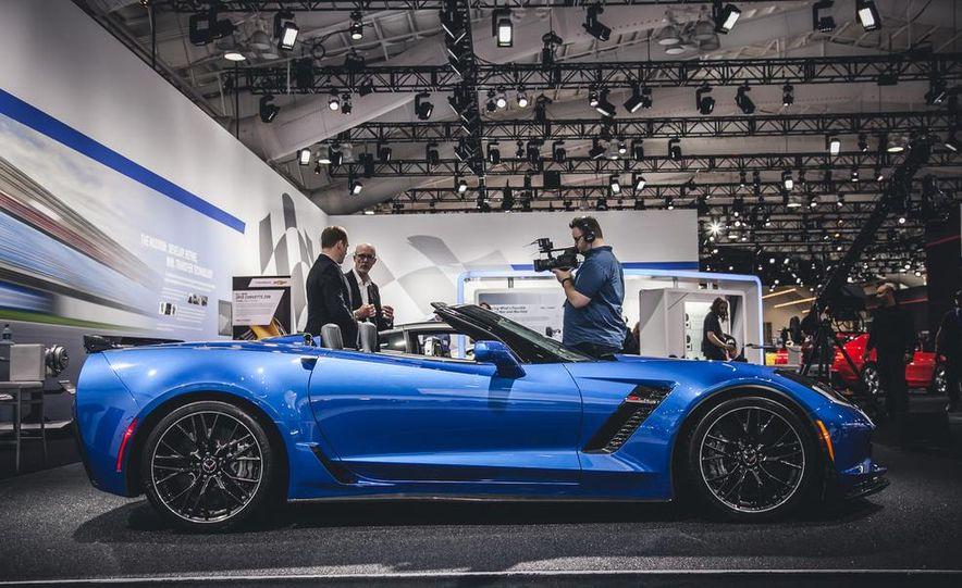 2015 Aston Martin V-8 Vantage GT - Slide 6