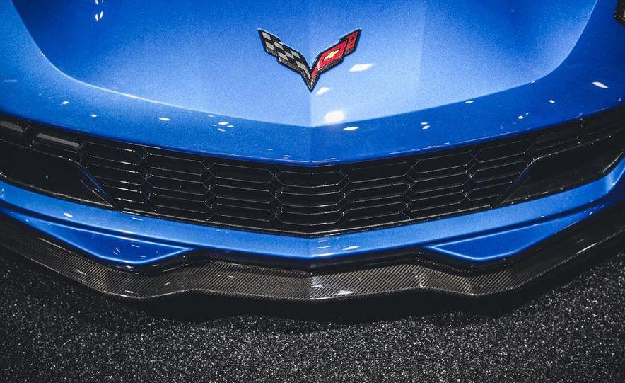 2015 Aston Martin V-8 Vantage GT - Slide 9