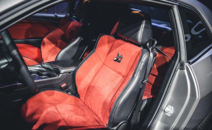 2015 Aston Martin V-8 Vantage GT - Slide 22