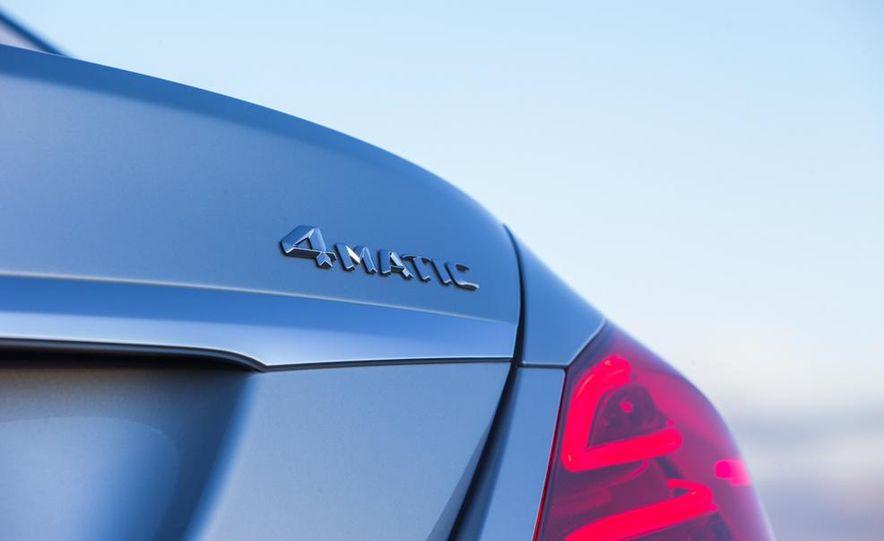 2015 Mercedes-Benz C400 4MATIC sedan - Slide 11