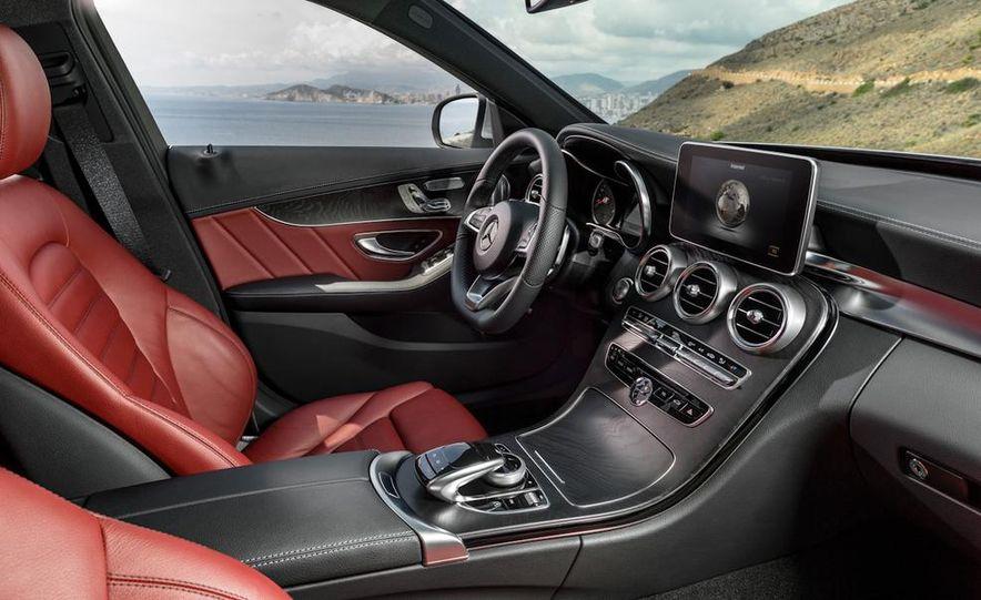 2015 Mercedes-Benz C400 4MATIC sedan - Slide 21