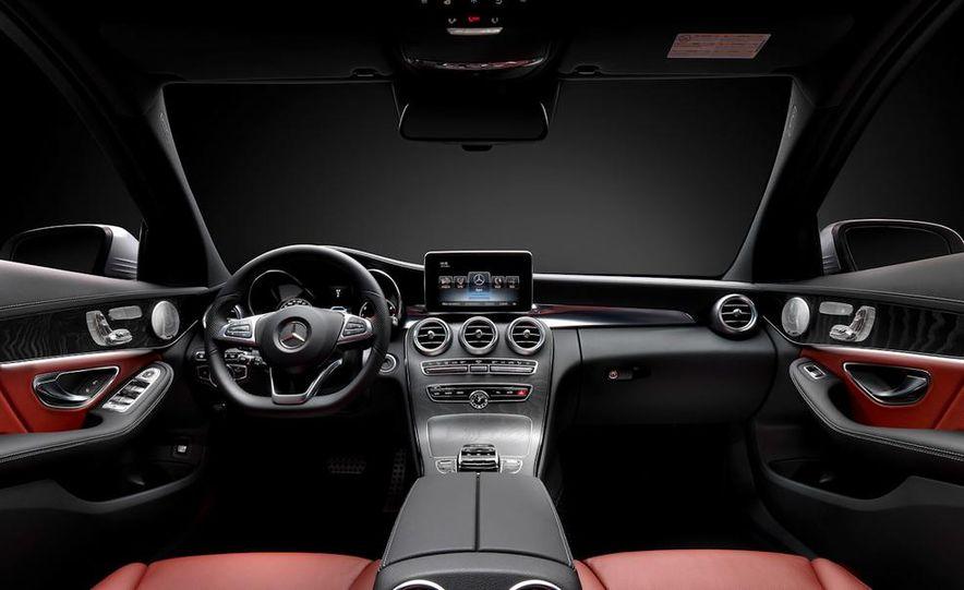 2015 Mercedes-Benz C400 4MATIC sedan - Slide 26