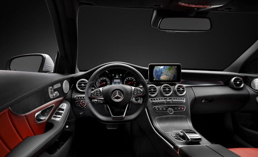2015 Mercedes-Benz C400 4MATIC sedan - Slide 27