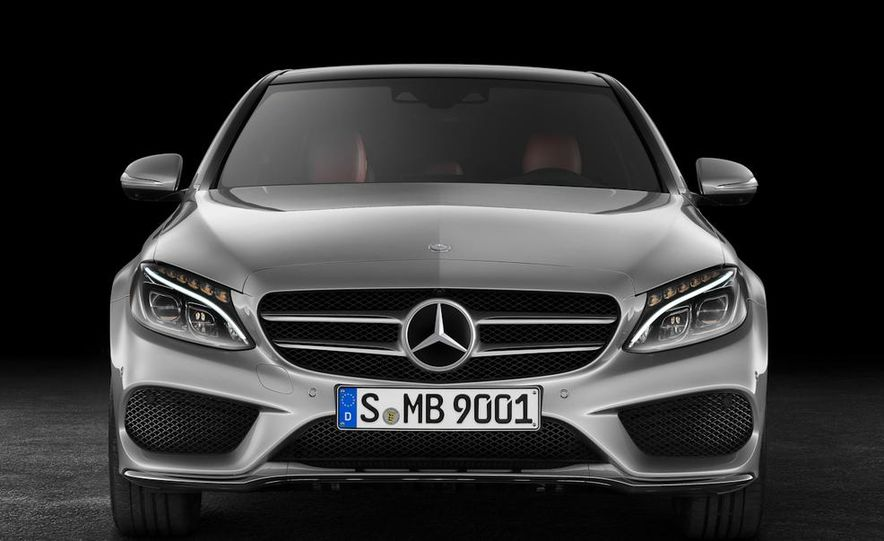 2015 Mercedes-Benz C400 4MATIC sedan - Slide 23