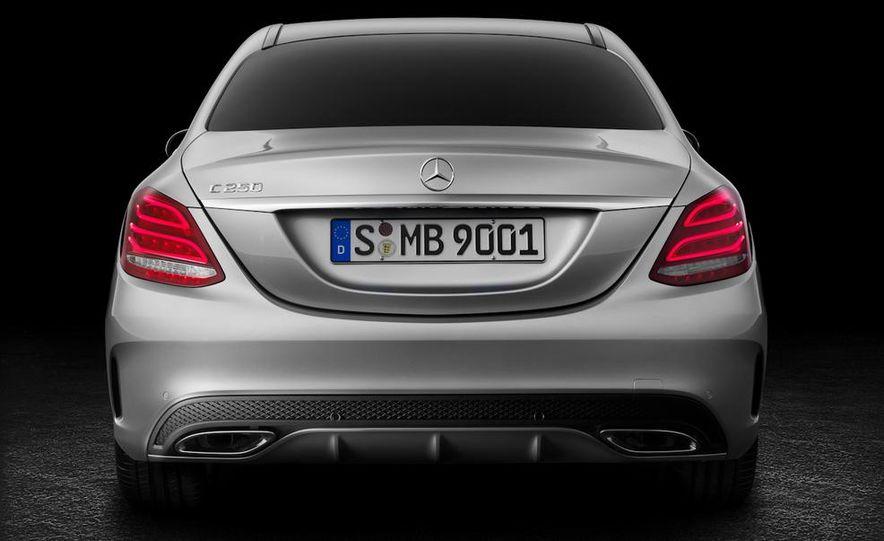 2015 Mercedes-Benz C400 4MATIC sedan - Slide 25