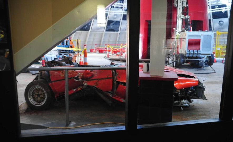 "2009 Chevrolet Corvette ZR-1 ""Blue Devil"" Prototype, 1993 40th Anniversary coupe, 1962 Corvette, and 1992 One Millionth Corvette - Slide 6"