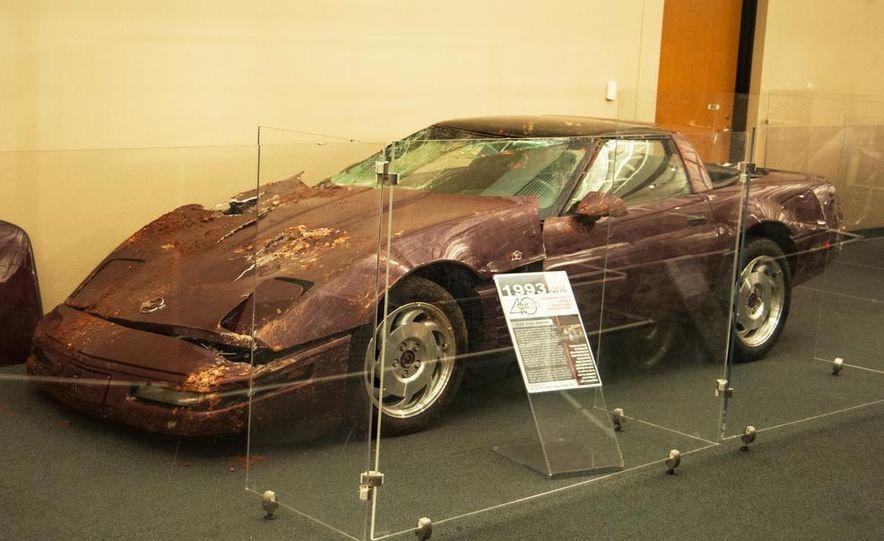 "2009 Chevrolet Corvette ZR-1 ""Blue Devil"" Prototype, 1993 40th Anniversary coupe, 1962 Corvette, and 1992 One Millionth Corvette - Slide 3"