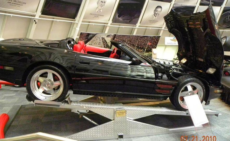 "2009 Chevrolet Corvette ZR-1 ""Blue Devil"" Prototype, 1993 40th Anniversary coupe, 1962 Corvette, and 1992 One Millionth Corvette - Slide 94"