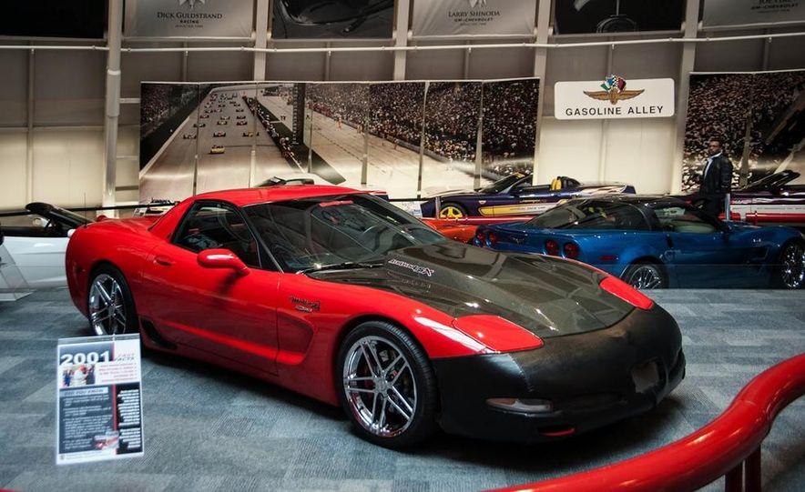 "2009 Chevrolet Corvette ZR-1 ""Blue Devil"" Prototype, 1993 40th Anniversary coupe, 1962 Corvette, and 1992 One Millionth Corvette - Slide 95"