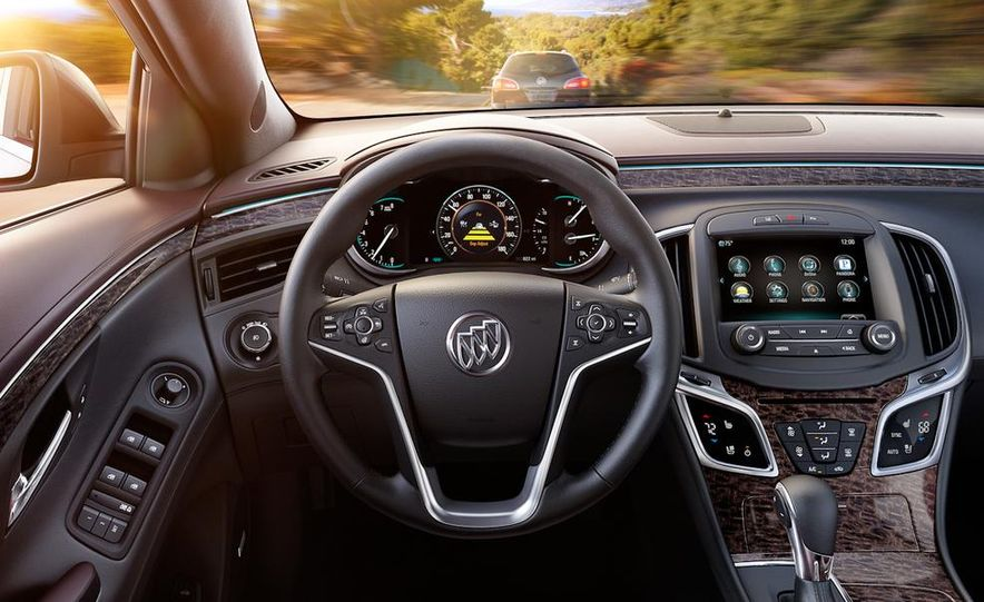 2014 Buick LaCrosse with the Ultra Luxury Interior Package - Slide 25