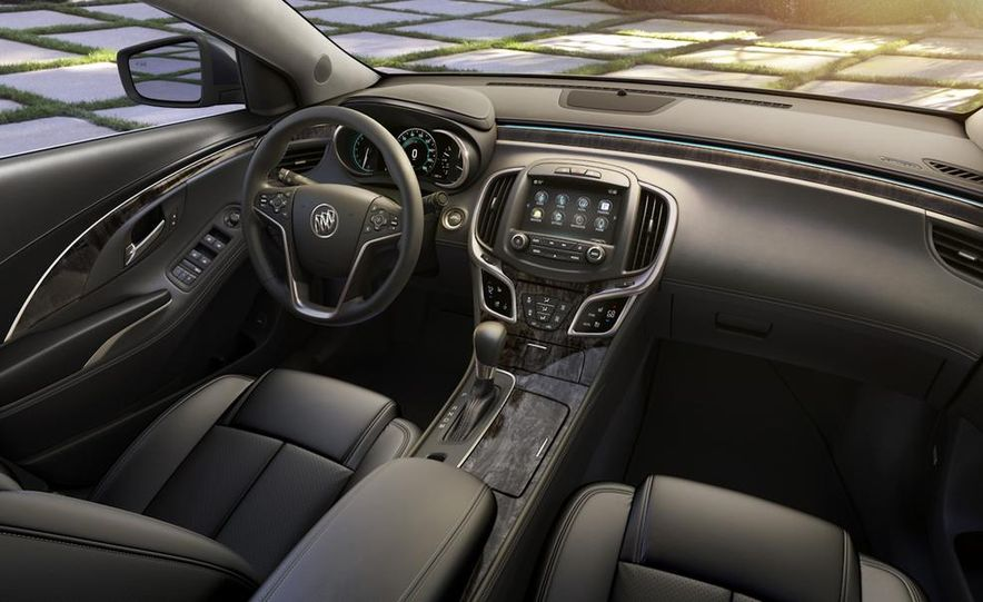 2014 Buick LaCrosse with the Ultra Luxury Interior Package - Slide 26