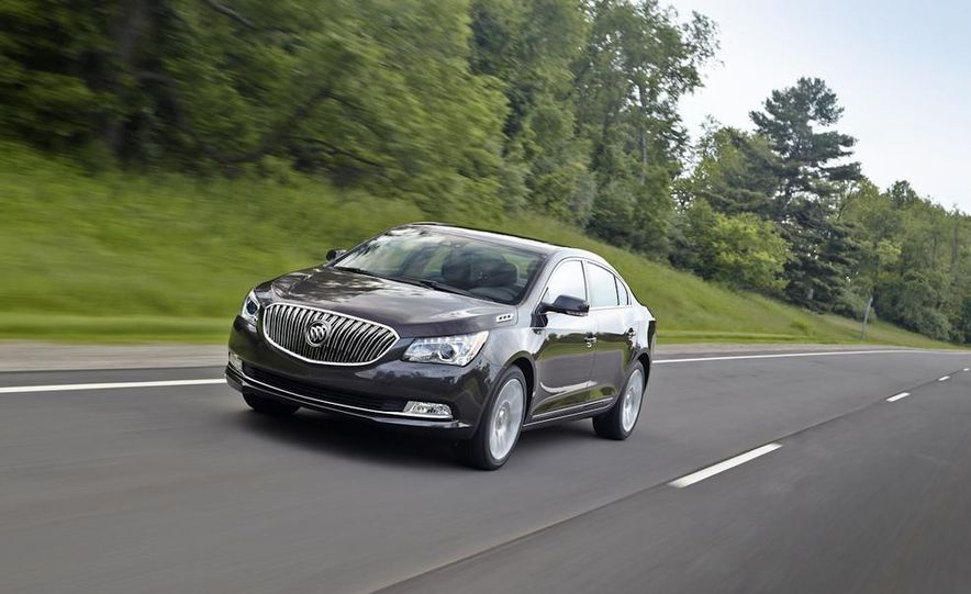 2014 Buick LaCrosse with the Ultra Luxury Interior Package - Slide 4