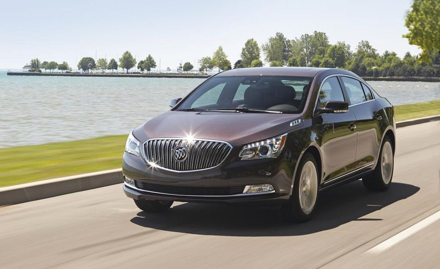 2014 Buick LaCrosse with the Ultra Luxury Interior Package - Slide 6