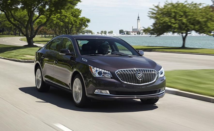 2014 Buick LaCrosse with the Ultra Luxury Interior Package - Slide 7