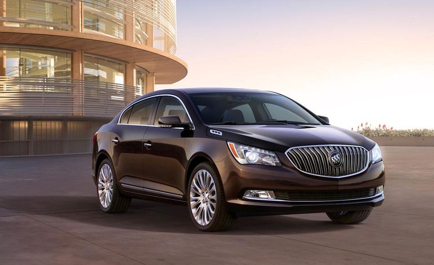 2014 Buick LaCrosse with the Ultra Luxury Interior Package - Slide 20