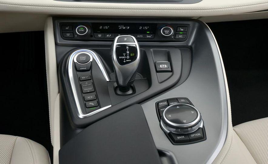 2015 BMW i8 - Slide 59