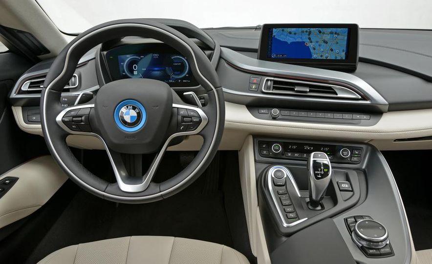 2015 BMW i8 - Slide 57