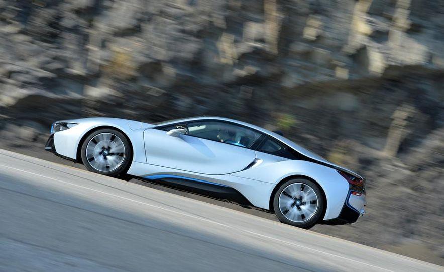 2015 BMW i8 - Slide 22