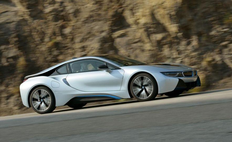2015 BMW i8 - Slide 23