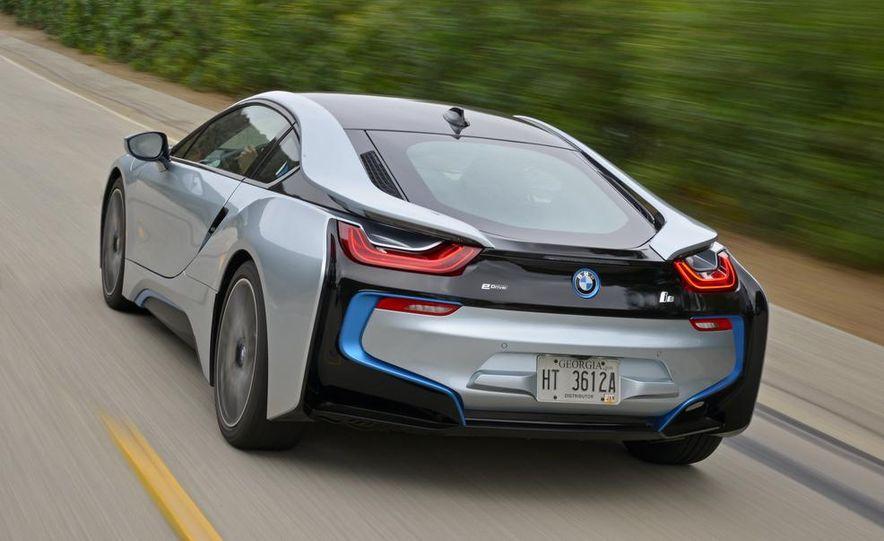 2015 BMW i8 - Slide 32