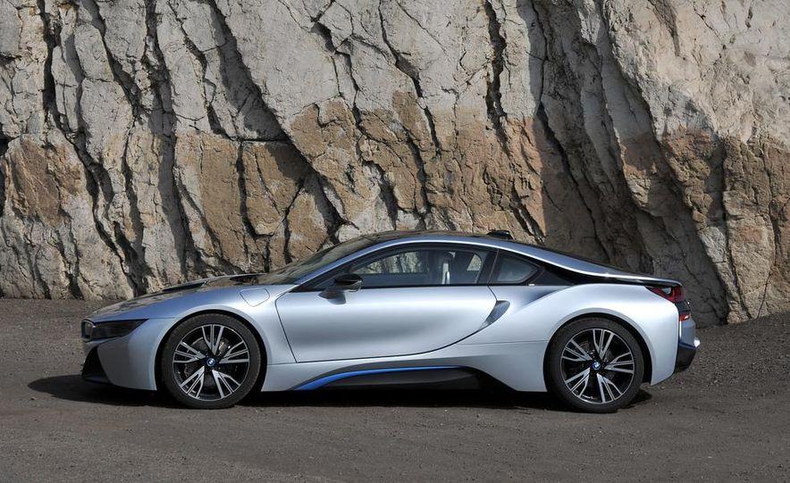 2015 BMW i8 - Slide 46