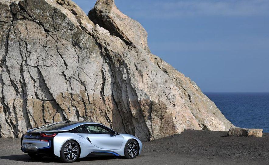 2015 BMW i8 - Slide 47