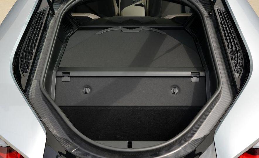 2015 BMW i8 - Slide 60