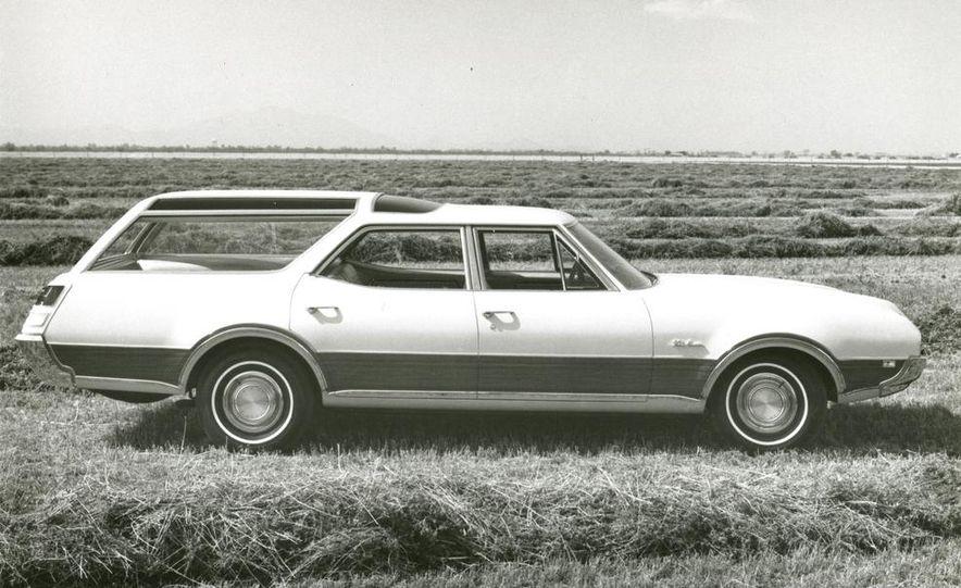 Oldsmobile Vista-Cruiser 455 - Slide 10