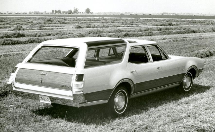 Oldsmobile Vista-Cruiser 455 - Slide 11