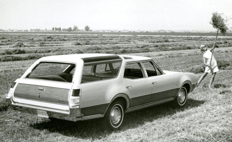 Oldsmobile Vista-Cruiser 455 - Slide 12