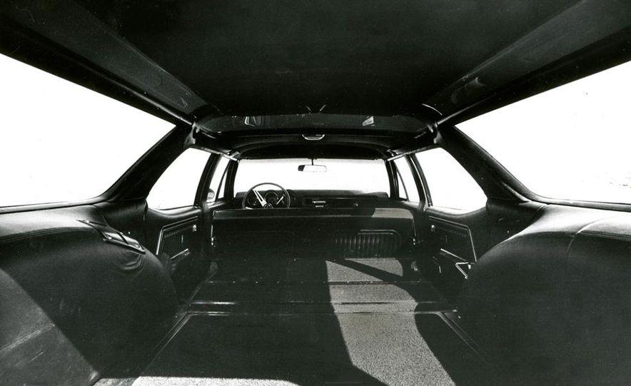 Oldsmobile Vista-Cruiser 455 - Slide 6