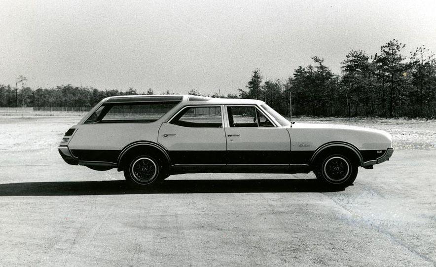 Oldsmobile Vista-Cruiser 455 - Slide 1