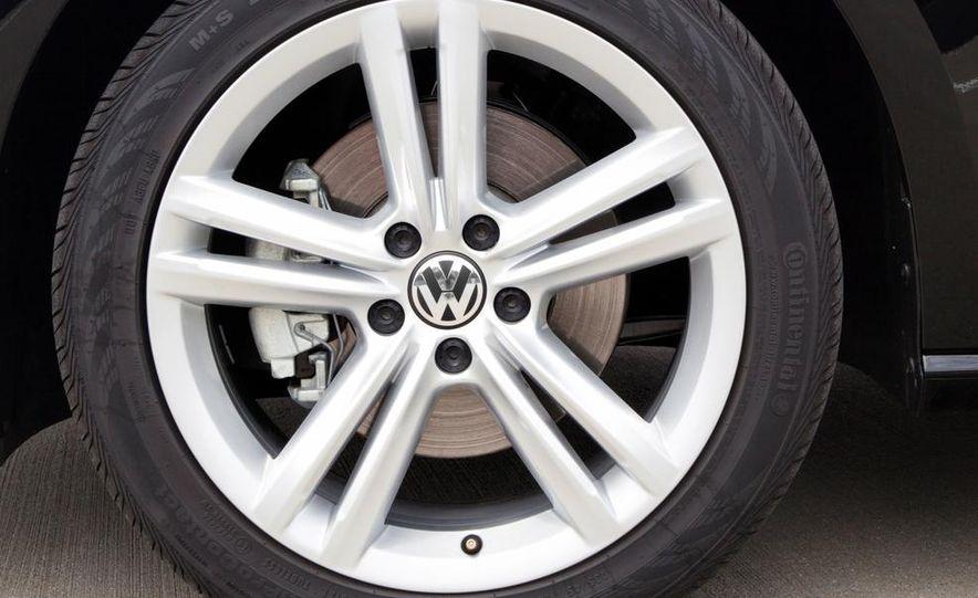 Volkswagen Passat B8 (artist's rendering) - Slide 27
