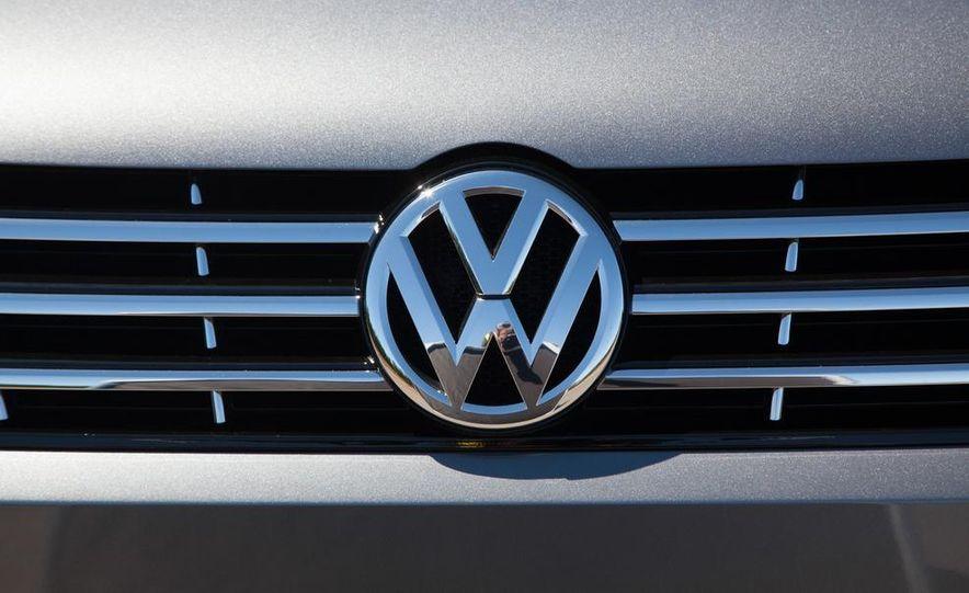 Volkswagen Passat B8 (artist's rendering) - Slide 17