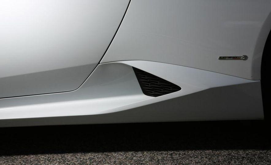 2015 Lamborghini Huracán LP610-4 - Slide 19