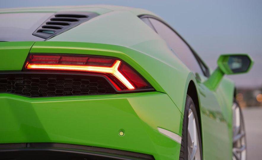 2015 Lamborghini Huracán LP610-4 - Slide 37
