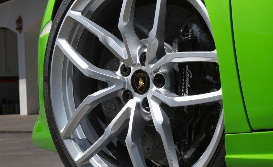 2015 Lamborghini Huracán LP610-4 - Slide 36