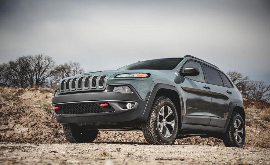 2014 Jeep Cherokee Trailhawk - Slide 3