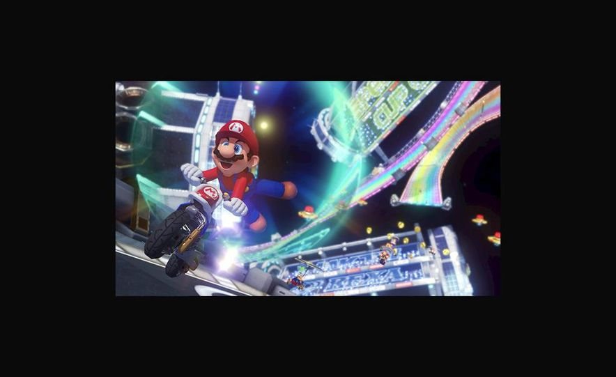 Mario Kart 8 - Slide 2