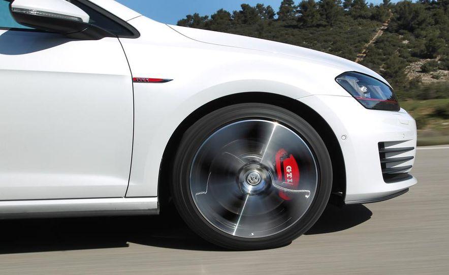 2015 Volkswagen GTI 3-door - Slide 10