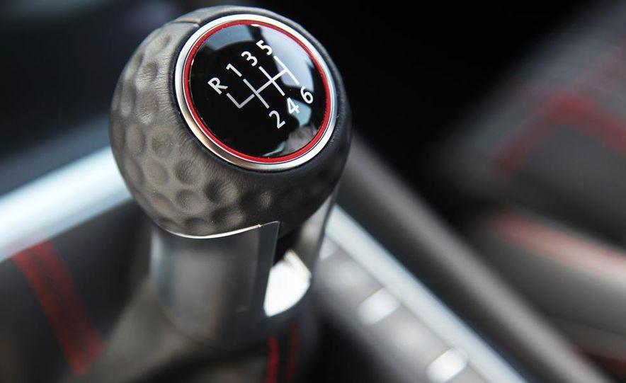 2015 Volkswagen GTI 3-door - Slide 25