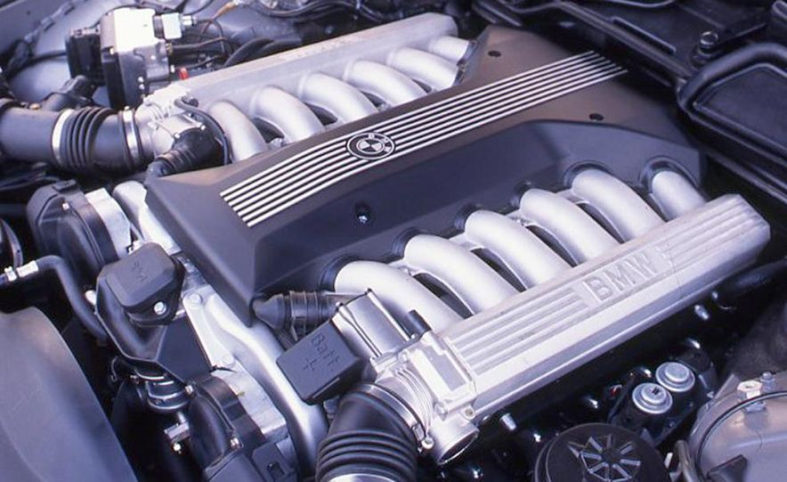 BMW 750iL, Jaguar XJ12, Mercedes-Benz S500 - Slide 14